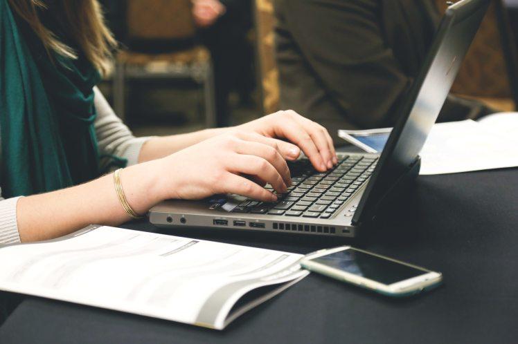 woman-typing-writing-programming-7112