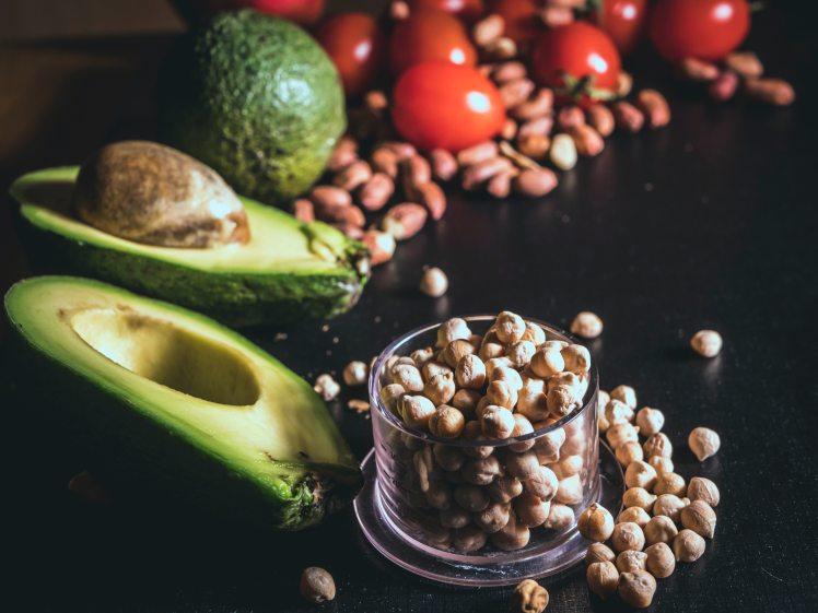 avocado-peanuts-and-toamtoes-1192056