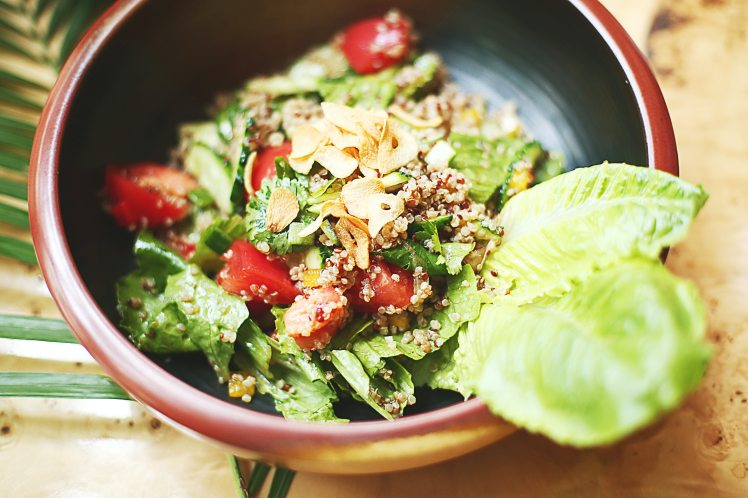vegetable-salad-on-ceramic-bowl-3662136